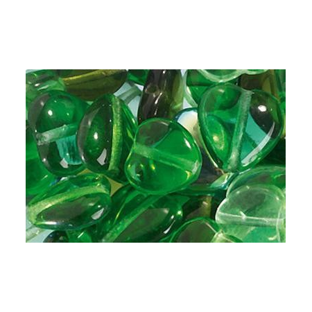 Assortiment de perles coeur en verre vert