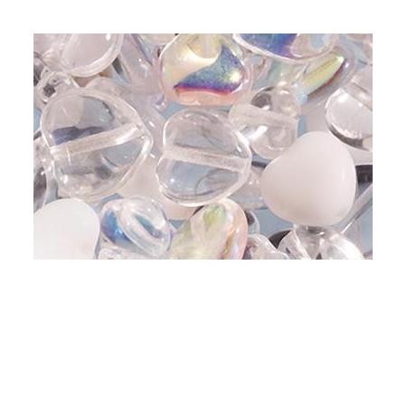Assortiment de perles coeur en verre blanc
